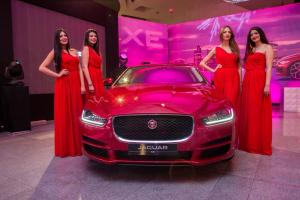 ALPHA INTERNATIONAL LANCE LES JAGUAR XE ET XF