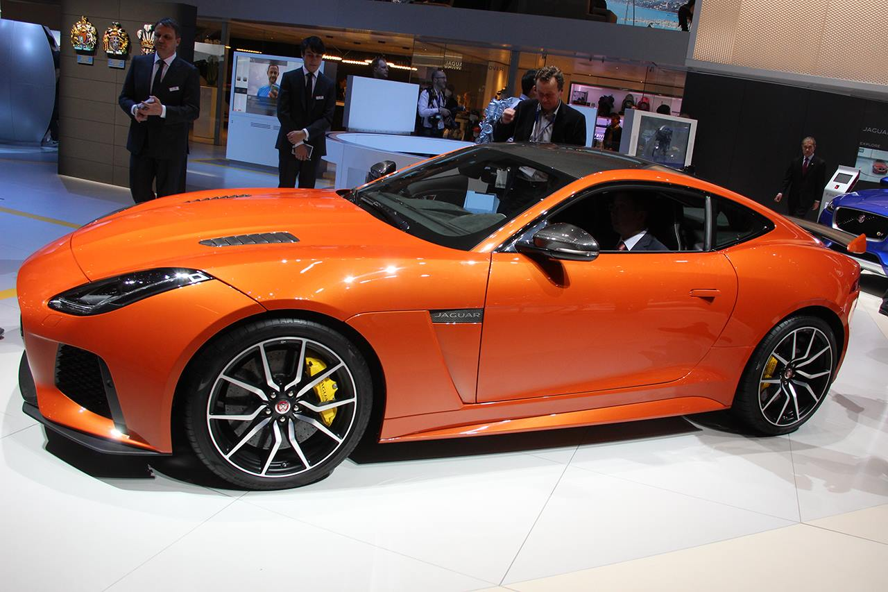 N°3 : Jaguar F-Type SVR
