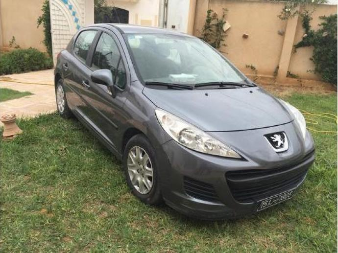 vendre peugeot 207 sfax sfax ville ref uc11602. Black Bedroom Furniture Sets. Home Design Ideas