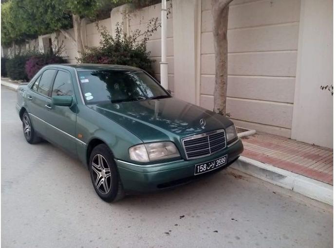 Vito mercedes occasion mercedes vito occasion bretagne 109cdi compact 2t7 noir voiture - Carglass salon de provence ...