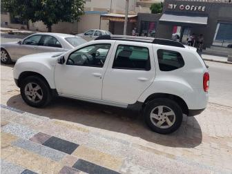 vendre dacia duster tunis el menzah ref uc14225. Black Bedroom Furniture Sets. Home Design Ideas