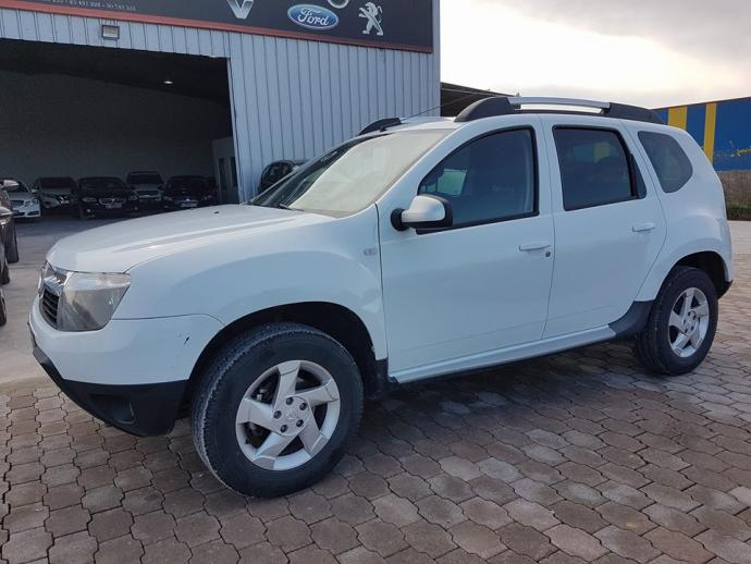 vendre tap129 2013 dacia duster awd ben arous ezzahra ref uc15200. Black Bedroom Furniture Sets. Home Design Ideas