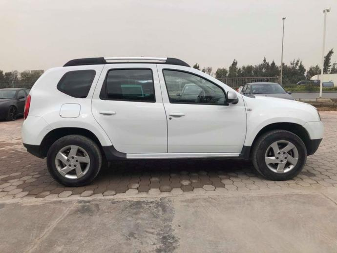 vendre tap99 dacia duster awd 1 re main ben arous ezzahra ref uc15377. Black Bedroom Furniture Sets. Home Design Ideas