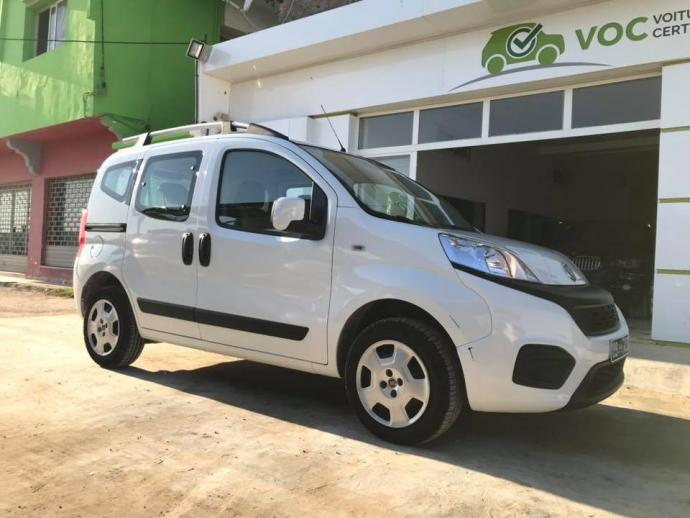 vendre tap216 fiat qubo 5places 1 re main ariana ariana ville ref uc16311. Black Bedroom Furniture Sets. Home Design Ideas