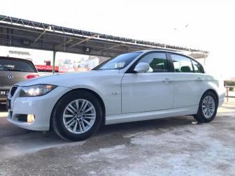 2011 BMW 320i E90 BVA AVEC TOIT